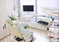 【診療室】 モニターで分かりやすく説明
